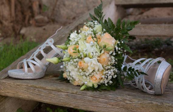 Brautstrauß und Schuhe, Hochzeit Gudrun & Jürgen August 2017