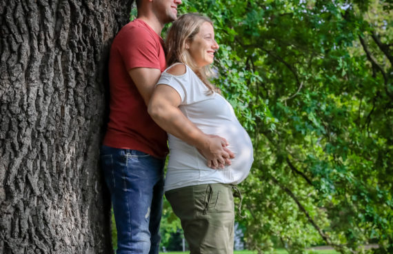 2018-08-26 Babybauch Ingrid Thomas